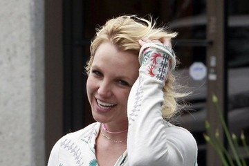 Britney Spears Britney Spears Leaves a Music Studio