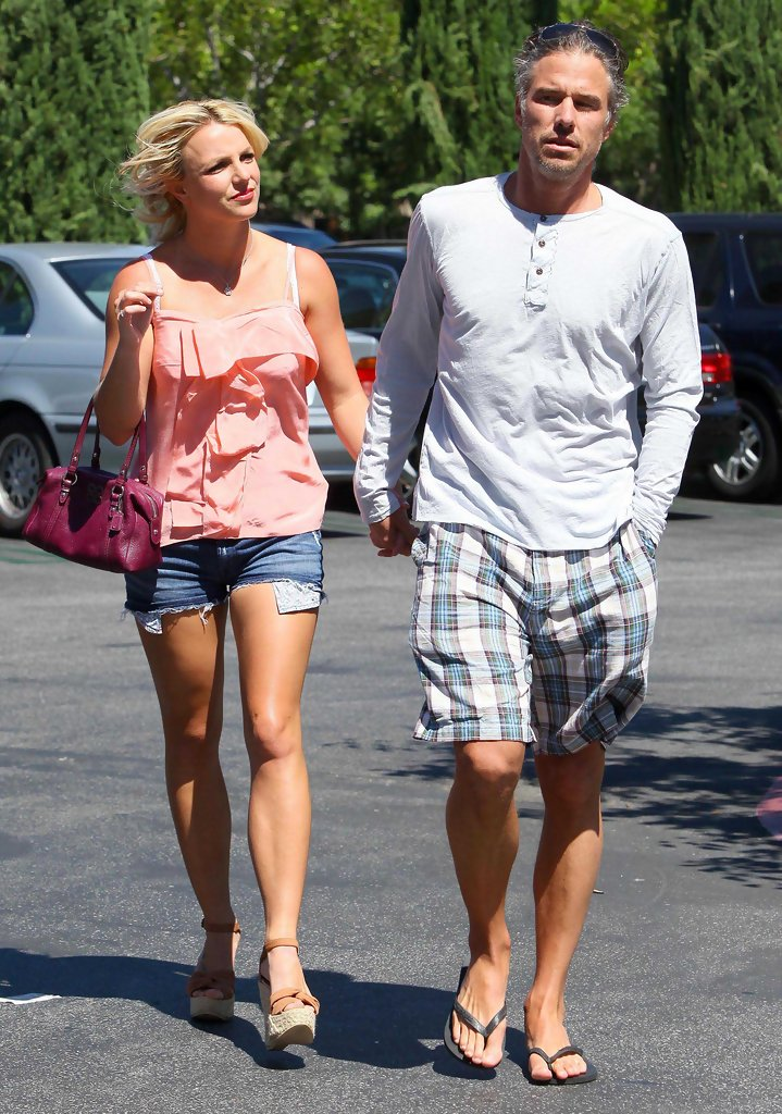 Britney+Spears+Jason+Trawick+Out+Shoppin