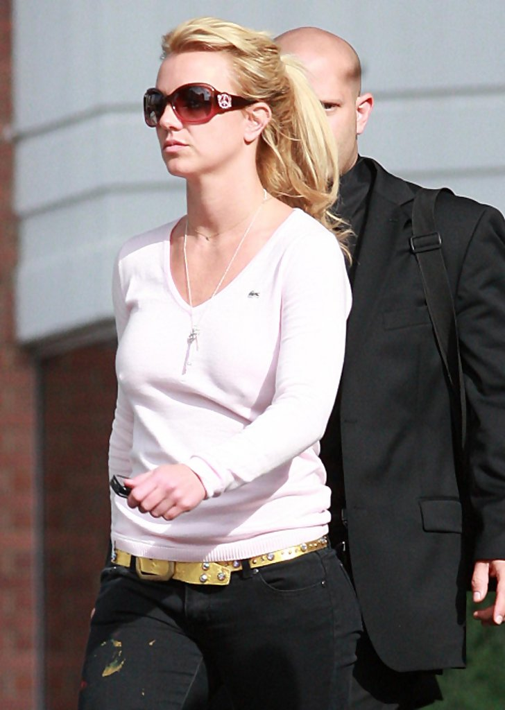 Who is britney spears dating in Perth
