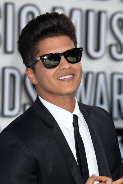 pictures of bruno mars parents. Bruno+mars+pictures+2010