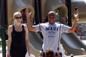Chloe Allen Byron Allen And Family Out At The Park