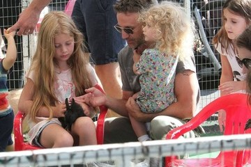Caitlin Meyer Breckin Meyer Spends Time with His Daughters