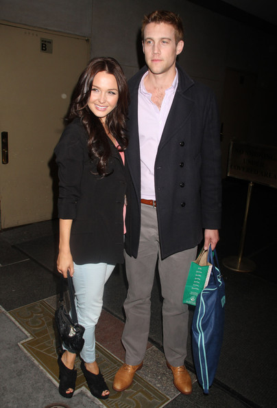 http://www3.pictures.zimbio.com/fp/Camilla+Luddington+Celebrities+Leaving+Today+MFjfNNtHvO9l.jpg