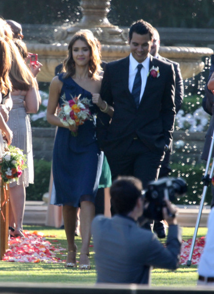 Jessica Alba and Cash Warren Attend Pals Wedding