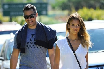 Cash Warren Jessica Alba & Family At Coldwater Park
