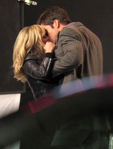 Chris Pine Actress Reese Witherspoon and Chris Pine making out on the set of