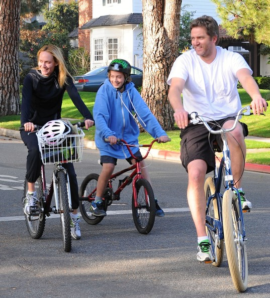 Amber Valletta And Family Out For A Bike Ride In Brentwood []