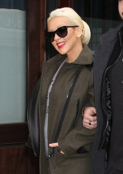 christina aguilera dating 2014 Christina aguilera biography with personal life (affair, boyfriend , lesbian), married info (husband, children, divorce) a collection of facts with age, height.