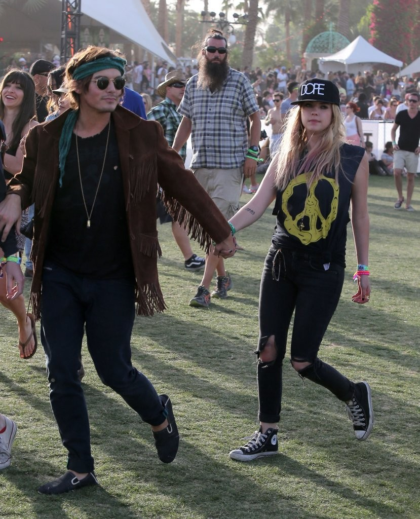 tyler blackburn and ashley benson dating coachella Ashley benson laughs off romance rumours los angeles, july 9: actress-model ashley benson has turned down reports indicating that romance has been brewing between her and tyler blackburn, her co-star from tv show pretty little liarsus weekly's gossip website reported that.
