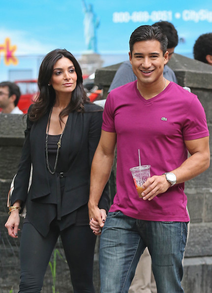 Mario Lopez and his wife Courtney Laine Mazza