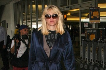 Courtney Love Courtney Love Arrives at LAX