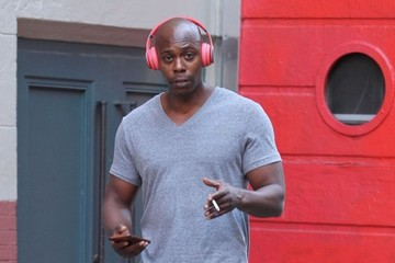 Dave Chappelle Dave Chappelle Leaves a Gym With a Cigarette