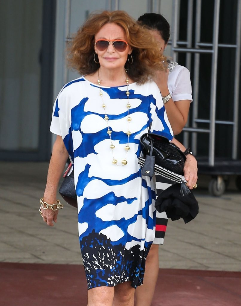 Diane von Furstenberg Photos Photos - Diane Von Furstenberg Enjoying ...