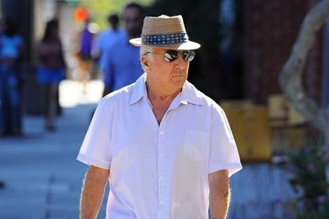 Dustin Hoffman Dustin Hoffman Out For A Stroll