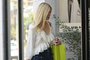 Elle Fanning Goes Out Shopping in Los Angeles