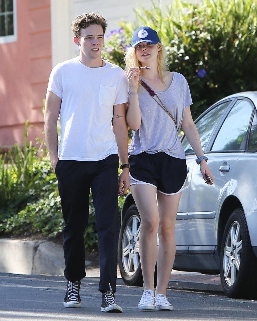 Elle Fanning And Boyfriend Zalman Band in Elle Fa...