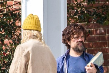 Elle Fanning Peter Dinklage Stars Perform on the Set of 'I Think We're Alone Now'