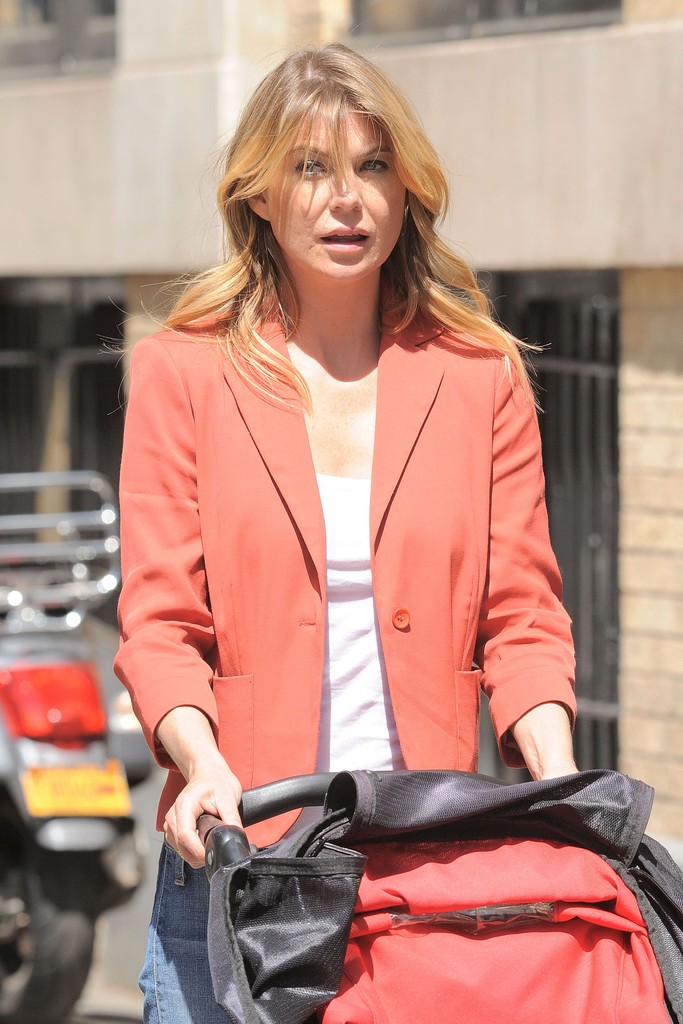 Ellen pompeo photos photos ellen pompeo family taking a walk in new york city zimbio - Ellen show new york ...