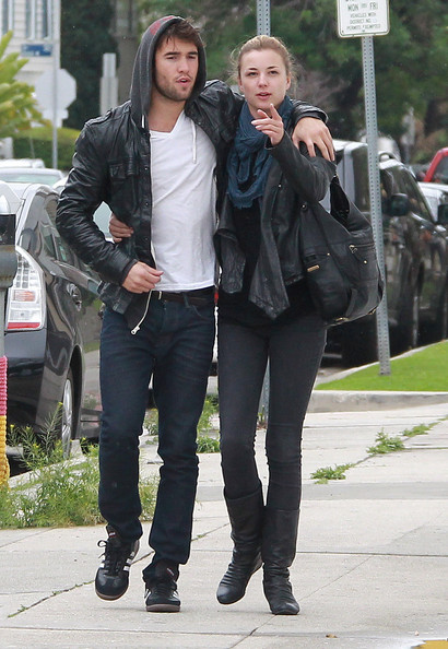 Emily VanCamp And Joshua Bowman Out Shopping In Los ...