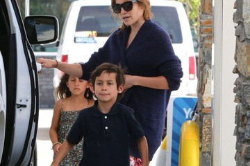 Emme Muniz Jennifer Lopez & Casper Smart Head Out For A Family Trip
