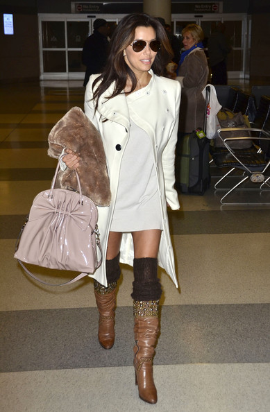 Eva+Longoria+Arriving+Flight+New+York+0yD6lbBSIxdl Top 10 Celebrity Airport Outfits