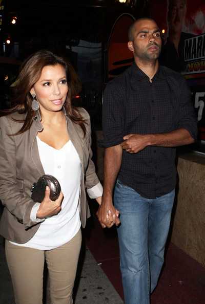 Eva Longoria Photos Photos - Eva Longoria Parker & Husband Heading To ...