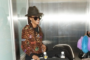 Eva Marcille Eva Marcille Catches a Flight