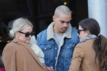 Evan Ross Ashlee Simpson and Evan Ross Take Jagger Out For Lunch