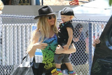 Fergie Fergie Takes Her Son Axl to a Park