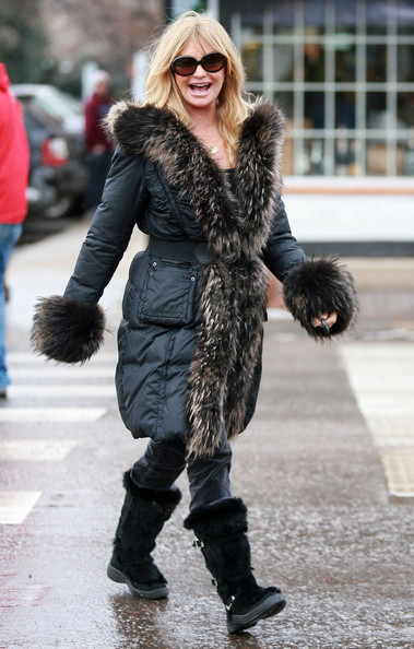 Goldie Hawn Out Shopping In Aspen Zimbio
