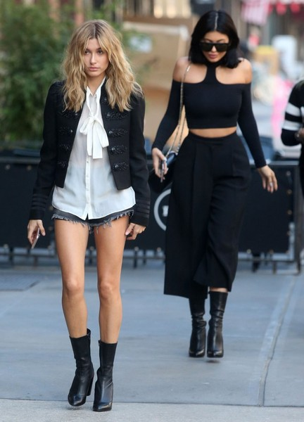 Kylie Jenner in Hailey Baldwin and Kylie Jenner - Street ...