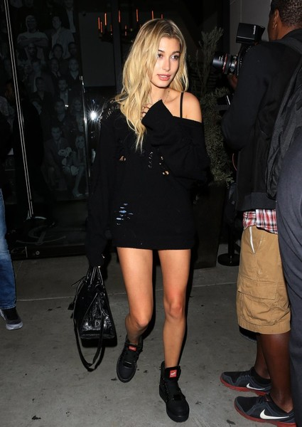 Hailey Baldwin Dines Out At Catch [clothing,leg,thigh,fashion,little black dress,human leg,footwear,dress,joint,outerwear,dress,hailey baldwin,actor,celebrity,entertainment,model,restaurant,west hollywood,california,catch,hailey rhode bieber,celebrity,entertainment,model,actor,it girl,supermodel,little black dress,socialite]