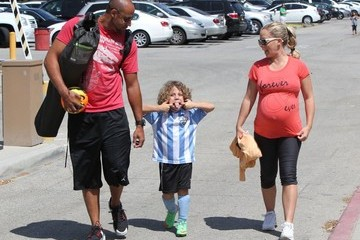Hank Baskett Pregnant Kendra Wilkinson Enjoys Her Son's Soccer Game