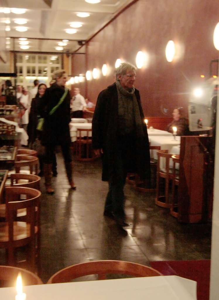 Harrison ford in harrison ford leaving sale e tabacchi for Sale e tabacchi berlin