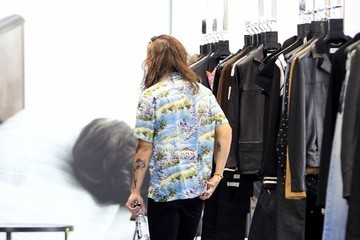 Harry Styles Harry Styles Goes Shopping in Beverly Hills