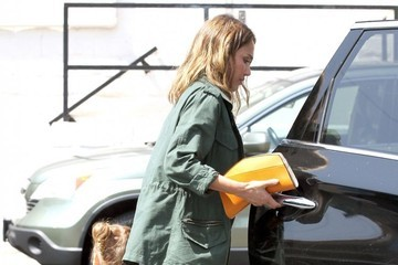 Haven Warren Jessica Alba & Family Out For Lunch At The Tavern Restaurant