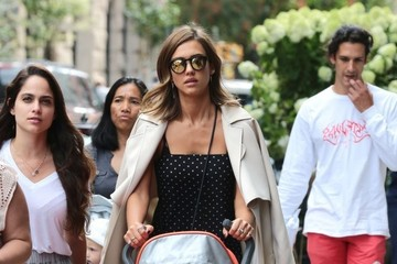 Haven Warren Jessica Alba Goes For a Walk With Haven