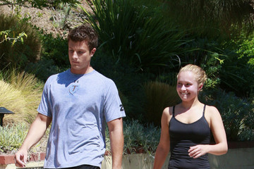 Harry Morton Hayden Panettiere & Harry Morton Jogging In Runyon Canyon