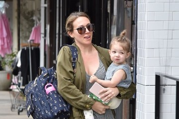 Haylie Duff Haylie Duff Takes Her Daughter Out for Breakfast