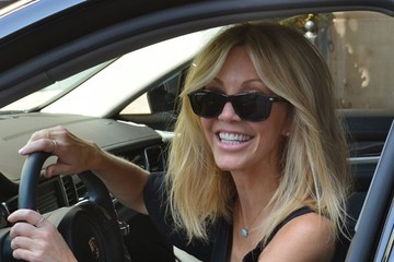 Heather Locklear Heather Locklear Is All Smiles After the Salon