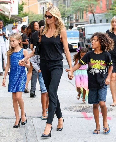 Heidi Klum S Handsome Sons Henry And Johan Are All Grown: Heidi Klum Walking Thorugh SoHo