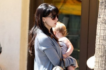 Hilaria Baldwin Pregnant Hilaria Thomas Out For Lunch in Beverly Hills
