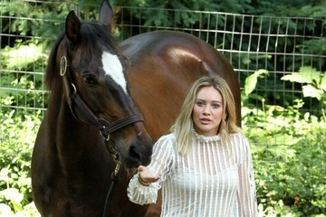 Hilary Duff Hilary Duff Films Scenes With A Horse At Central Park