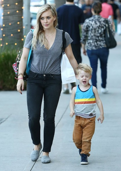 Hilary Duff & Son Luca Doing Some Last Minute Christmas Shopping []