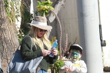 Hilary Duff Luca Comrie Hilary Duff Visits the Farmer's Market With Her Son