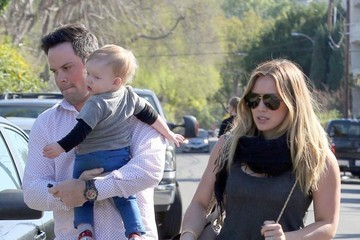 Hilary Duff Mike Comrie Hilary Duff And Her Family Attend A Birthday Party