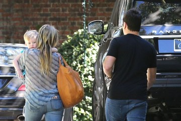 Hilary Duff Mike Comrie Hilary Duff & Family At A Birthday Party In Beverly Hills
