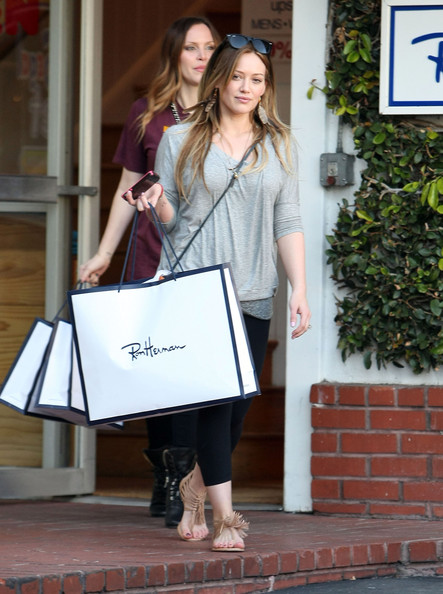 http://www3.pictures.zimbio.com/fp/Hilary+Duff+Out+Shopping+Fred+Segal+8zWIOSf5NrPl.jpg