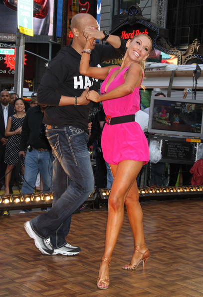 are hines and kym dating The mirror ball trophy winners came to pittsburgh for a downtown rally with hundreds of fans of dancing with the stars and the pittsburgh steelers.