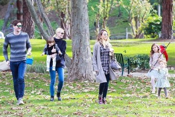 Honor Warren Jaime King & Jessica Alba Hang Out At The Park With Their Kids